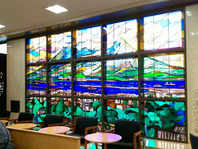 鹿児島中央 ステンドグラス
